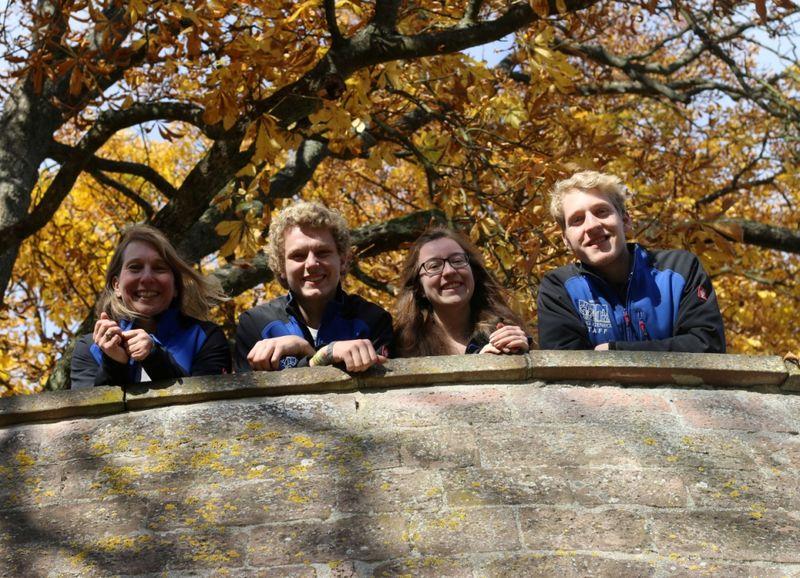 v.l.n.r.: Nanette (Programmmanagerin), Lennart (FSJ), Annika (FSJ), Jonathan (FSJ)